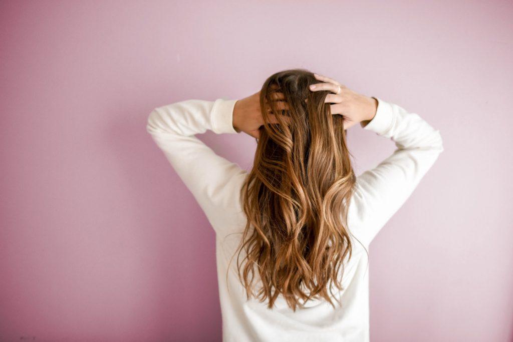 タンパク質は女性の髪の毛をきれいに!